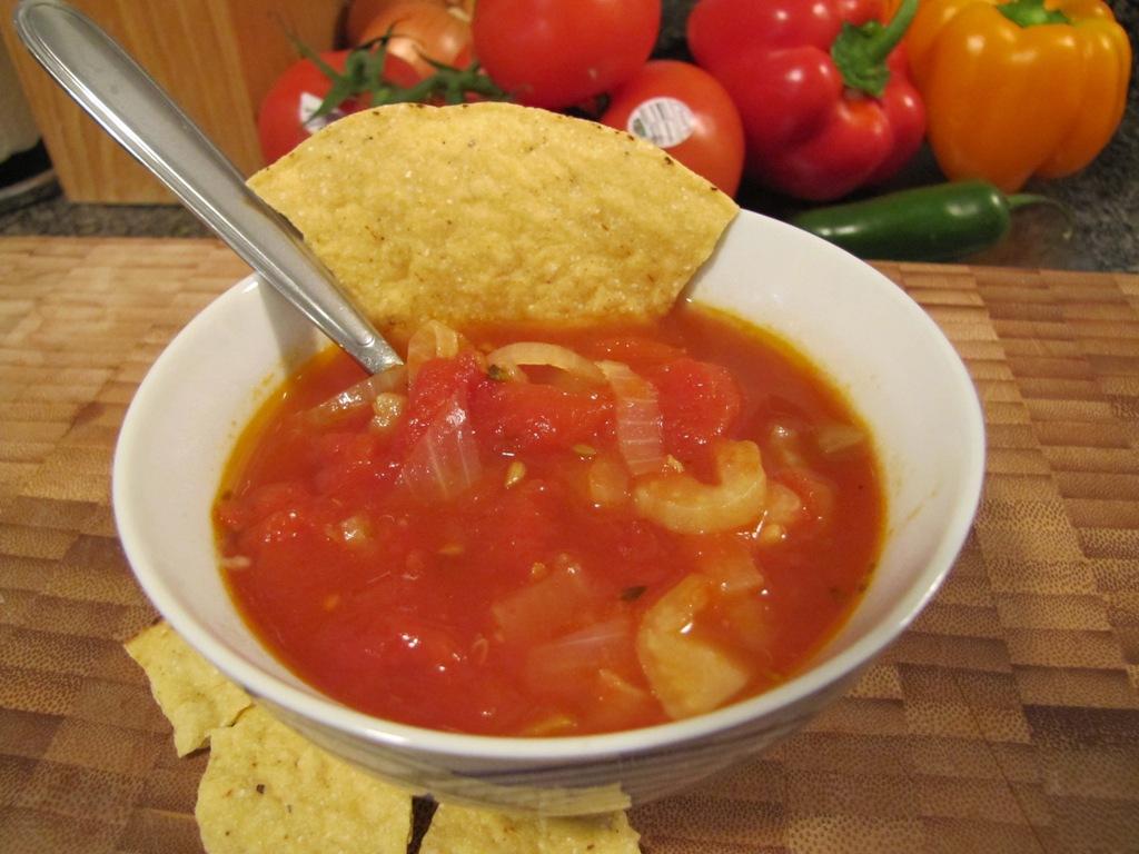 Sopa de tomate e hinojo recetas de panchita for Cocinar hinojo